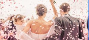 couple sorite de l'église caen mariage